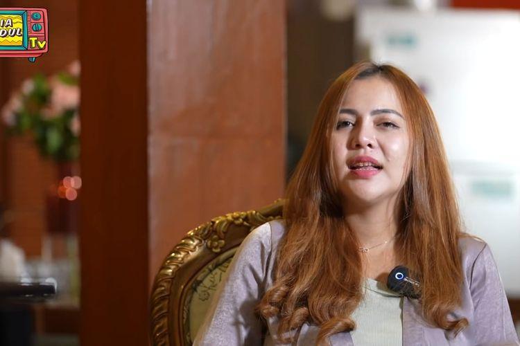 Ratu Rizky Nabila berbincang dengan Maia Estianty