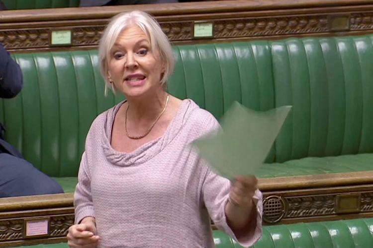 Menteri Kesehatan Inggris Nadine Dorries ketika masih menjadi anggota parlemen berbicara dalam sidang parlemen di London pada 3 April 2019.(REUTERS TV via Reuters)