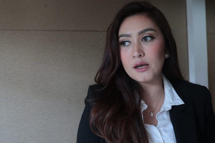 Artis peran Nafa Urbach saat ditemui di kawasan Kemang, Jakarta Selatan, Kamis (27/6/2019).
