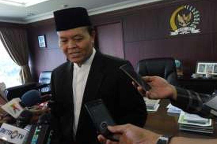 Wakil Ketua MPR RI Hidayat Nur Wahid di gedung DPR dan MPR RI, Senayan, Jakarta Selatan, Jumat (13/5/2016).