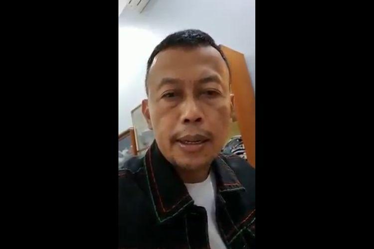 Tangkapan layar rekaman video Bupati Ponorogo, Sugiri Sancoko menyatakan dirinya bersama istri positif covid-19.