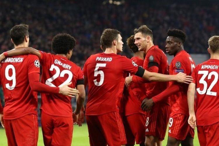 Para pemain Bayern Muenchen berselebrasi setelah memenangi laga versus Olimpiakos di matchday 4 Liga Champions, 7 November 2019.