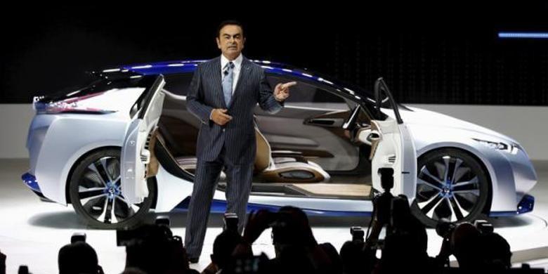 Presiden dan CEO Nissan Carlos Ghosn saat presentasi di Tokyo Motor Show 2015.