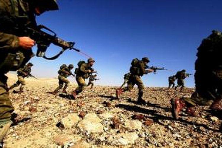 Pasukan Israel dalam sebuah latihan perang.