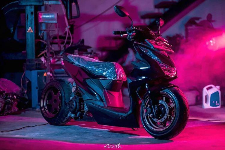 Modifikasi Honda All New BeAT bergaya lowrider garapan Earth Motoclans