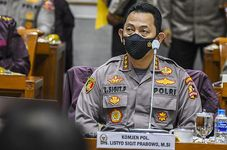 Indonesia Highlights: Parliament Approves Jokowi's Former Adjutant as Next Police Chief | Indonesian Minister Tackles Covid-19 Vaccine Disinformation | Government Extends Large-Scale Social Restrictio