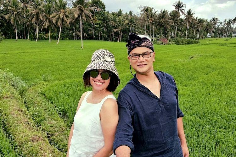 Rahmadian Satari and Myrna Candra Kirana spent 4 weeks holidaying and working from Bali.