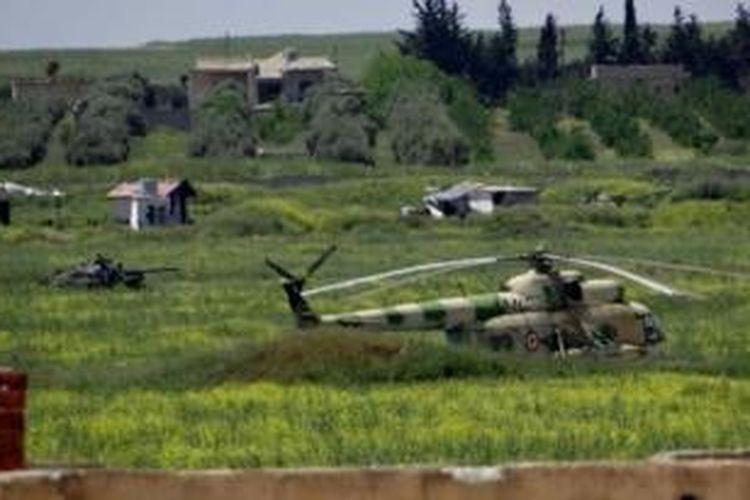 Pangkalan udara Menagh di dekat kota Aleppo ini sudah dikepung pemberontak selama 10 bulan dan baru berhasil direbut pada Senin (5/8/2013).
