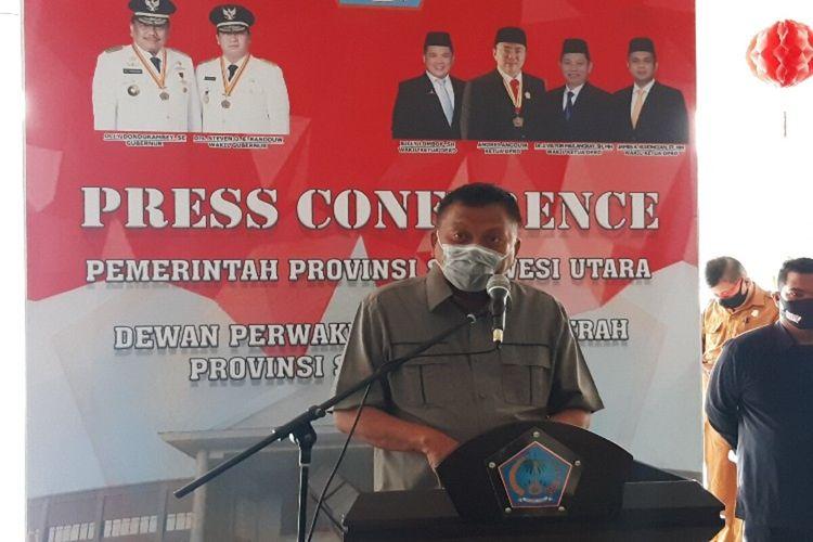Gubernur Sulut Olly Dondokambey saat diwawanara usai menghadiri rapat paripurna penyampaian Rancangan Kebijakan Umum Anggaran dan Prioritas Plafon Anggaran Sementara (KUA-PPAS) APBD Perubahan 2020 di kantor DPRD Sulut, Senin (24/8/2020).