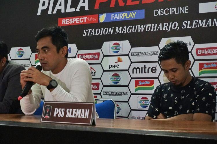 Pelatih PSS Sleman Seto Nurdiyantara dan Kapten PSS Sleman Bagus Nirwanto dalam jumpa pers usai laga melawan Persija Jakarta