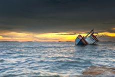 Sebuah Kapal Dihantam Gelombang di Tenggamus, 2 Orang Dikabar Tewas