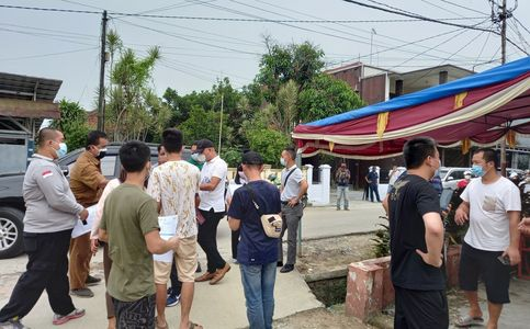 Chinese Workers Denied Access to Covid-19 Vaccines in Indonesia