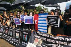 Gabung dengan Mahasiswa Papua, Massa Aksi Kamisan Pakai Topeng Monyet