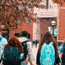 Nadiem: Selain Sekolah, Kuliah Boleh Tatap Muka