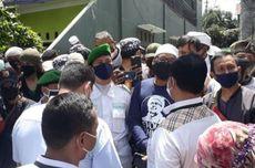 Polisi yang Antar Surat Panggilan untuk Rizieq Diceramahi, Wartawan Diintimidasi