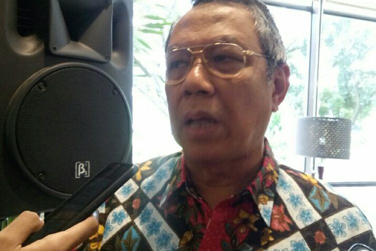 Wakil Wali Kota Tangerang Selatan Benyamin Davnie menyayangkan adanya aksi protes yang di lakukan oleh para pelajar Sekolah Ash Shiddiqiyah di depan proyek pembangunan rusunami di kawasan Bukit Indah, Serua, Ciputat, Tangerang Selatan, Rabu (18/2/2020).