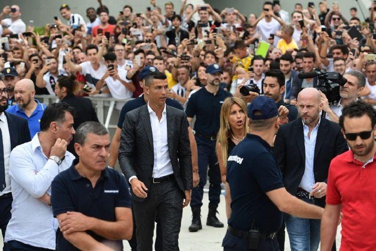 Cristiano Ronaldo tiba di markas Juventus pada 16 Juli 2018.