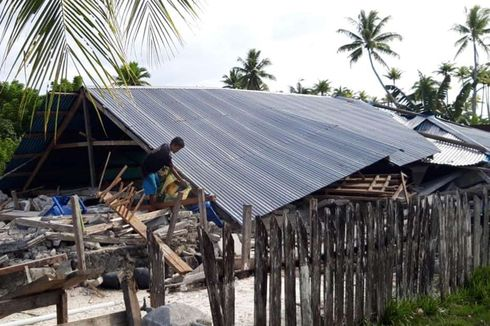 Pengungsi Gempa Halmahera Selatan Dapat Bantuan 1.000 Paket Sembako