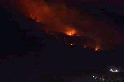 Puluhan Hektare Lahan Gunung Ile Mandiri Flores Terbakar Api