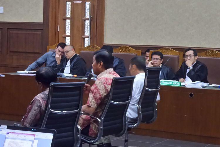 Sidang kasus korupsi pengadaan Kartu Tanda Penduduk berbasis elektronik (e-KTP) dengan terdakwa Andi Agustinus alias Andi Narogong di Pengadilan Tipikor Jakarta, Senin (11/9/2017).