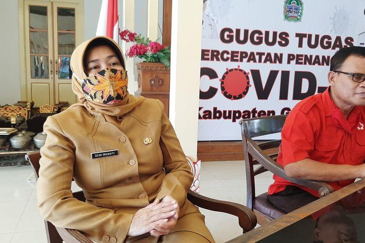 Kepala Dinas Kesehatan Gunungkidul Dewi Irawaty (Baju coklat) di Bangsal Sewokoprojo, Wonosari Senin (8/6/2020)