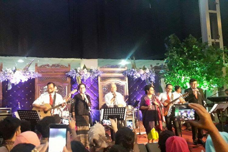 Para Menteri Kabinet Kerja bermain musik di Resepsi Putri Mensesneg Pratikno