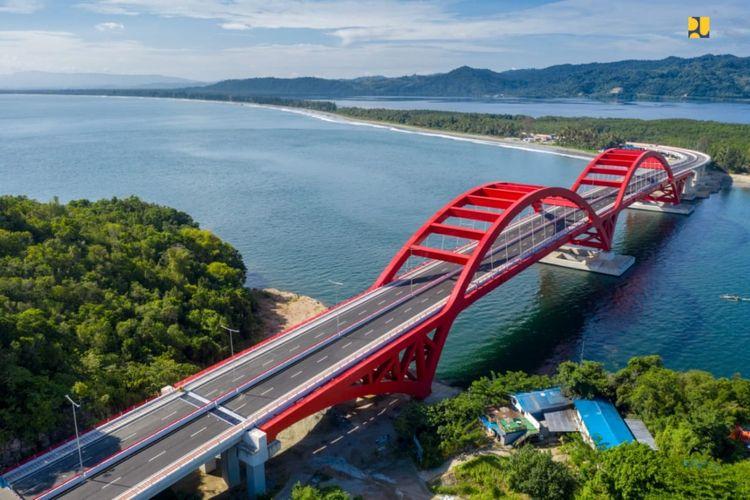 Jembatan Holtekamp, Jayapura, Papua.