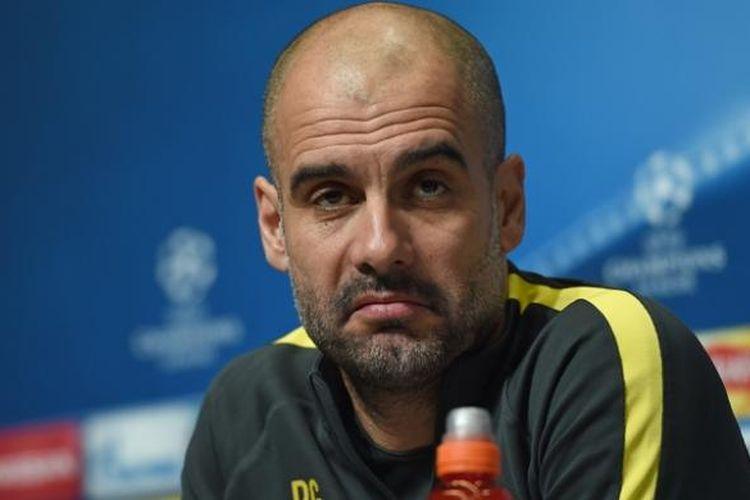 Pelatih Manchester City, Josep Guardiola, memberikan keterangan pers pada 20 Februari 2017, jelang laga pertama babak 16 besar Liga Champions melawan Monaco.