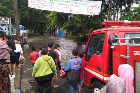 Banjir Rendam Perbatasan Ciledug-Joglo, Kendaraan Tak Bisa Melintas