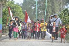Protes, Warga Gelar Upacara di Tepi Lubang Bekas Tambang Batu Bara