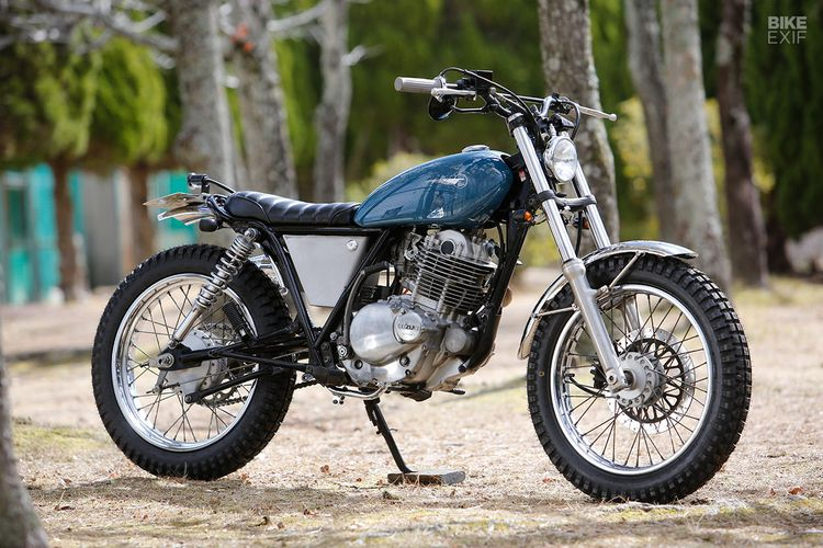 Suzuki ST250 Scrambler