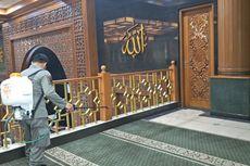 Cegah Virus Corona, Masjid Agung Al-Barkah di Bekasi Disemprot Disinfektan