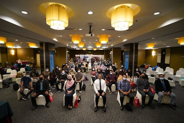 Education Malaysia Global Services (EMGS) menyambut 67 mahasiswa asal Nusa Tenggara Barat (NTB), penerima beasiswa pascasarjana S2 di Malaysia. Penyambutan ke-67 penerima beasiswa ini dilakukan dalam seremoni yang digelar di The Crystal Crown Hotel, Kuala Lumpur pada Selasa, 30 Maret 2021.