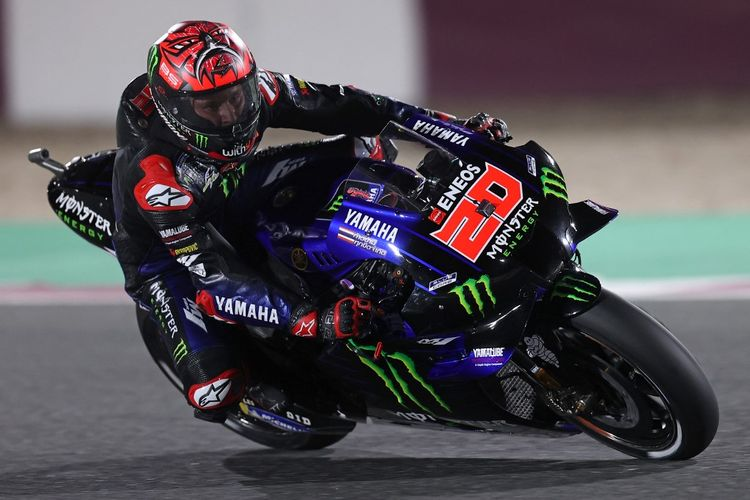 Monster Energy Yamaha MotoGP's French rider Fabio Quartararo rides during a qualifying session ahead of the Moto GP Grand Prix of Doha at the Losail International Circuit, in the city of Lusail on April 3, 2021. (Photo by KARIM JAAFAR / AFP)