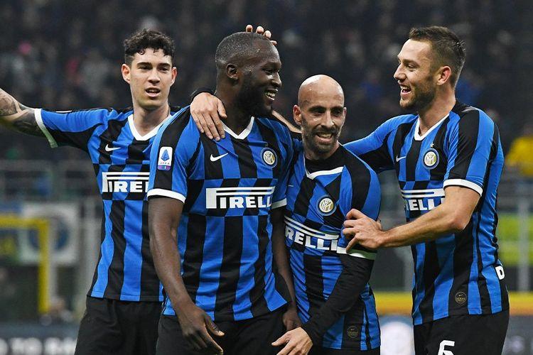 Striker Inter Milan, Romelu Lukaku (2 dari kiri).