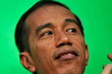 Jokowi Hanya Tersenyum Saat Ditanyakan Status Tersangka Jero Wacik