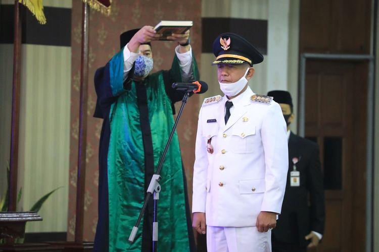 Pelantikan dan pengambilan sumpah jabatan Bupati Jepara definitif, DianKristiandidipimpin langsung oleh Gubernur Jawa Tengah, Ganjar Pranowo di Gedung Gradhika Bhakti Praja, Selasa (2/6/2020).