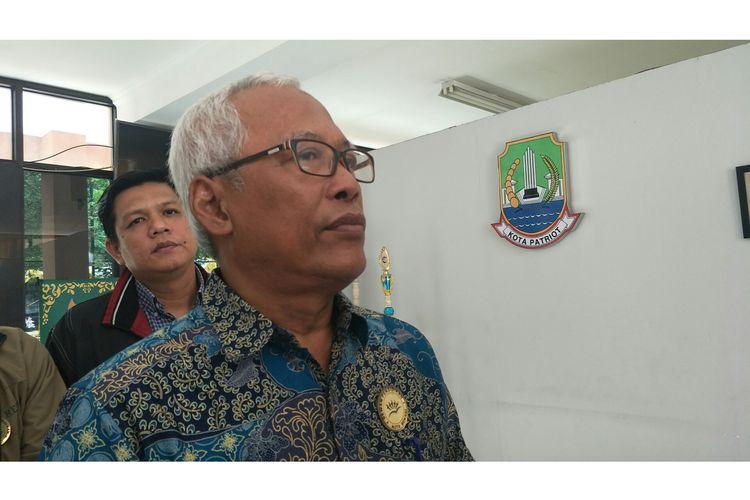 Ketua Dewan Pendidikan Kota Bekasi, Ali Fauzie saat berkunjuung ke SMAN 12 Kranji, Bekasi, Kamis (13/2/2020).