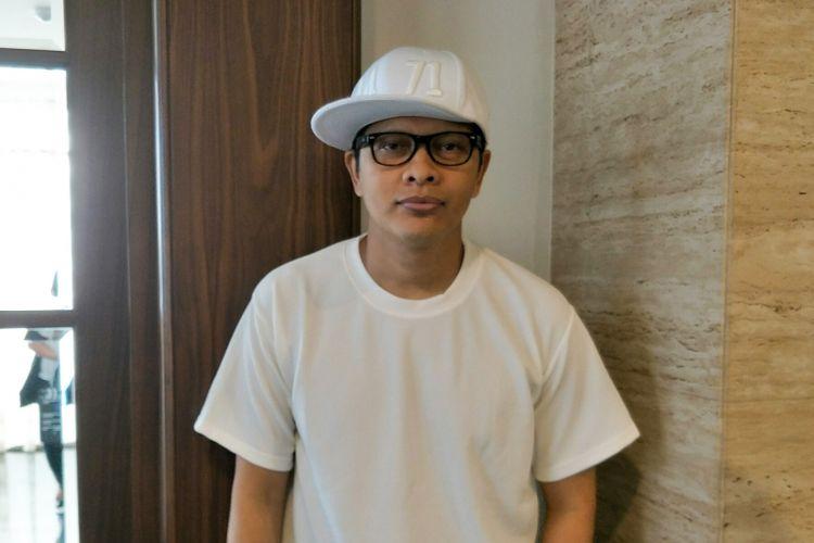 Vokalis Armand Maulana usai jumpa pers Indonesian Idol season 9 di MNC TV Studios, Kebon Jeruk, Jakarta Barat, Rabu (13/12/2017).