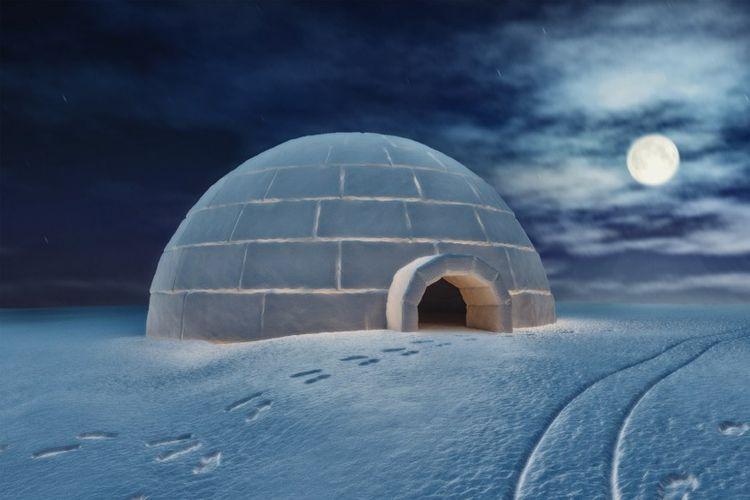 Igloo merupakan salah satu ciri khas rumah yang berada di wilayah dingin seperti di Kutub Utara.