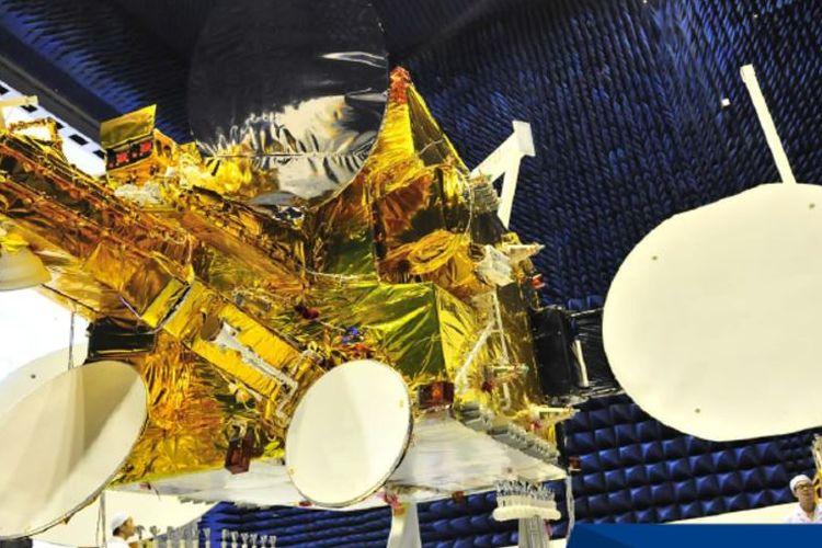 Satelit High Throughput Satellite buatan China Great Wall Industry Corporation.
