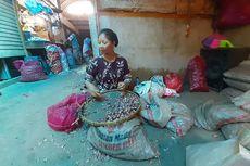 Kisah Pengupas Bawang, Tangan Kerap Terluka hingga Kupas 25 Kg Bawang untuk Dapat Rp 75.000