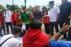 Desas-desus Pemangkasan Gaji, Guru Kontrak Kota Bekasi Demo DPRD