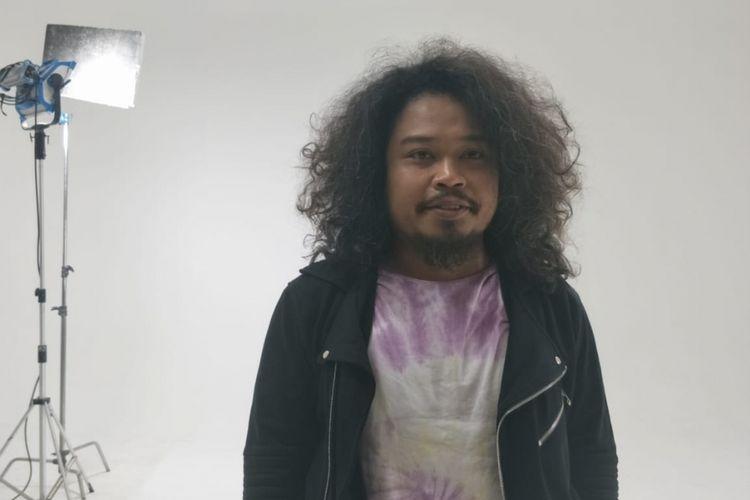 Vokalis Mohammad Istiqamah Djamad atau Pusakata saat ditemui di kawasan Cilandak, Jakarta Selatan, Senin (23/9/2018)