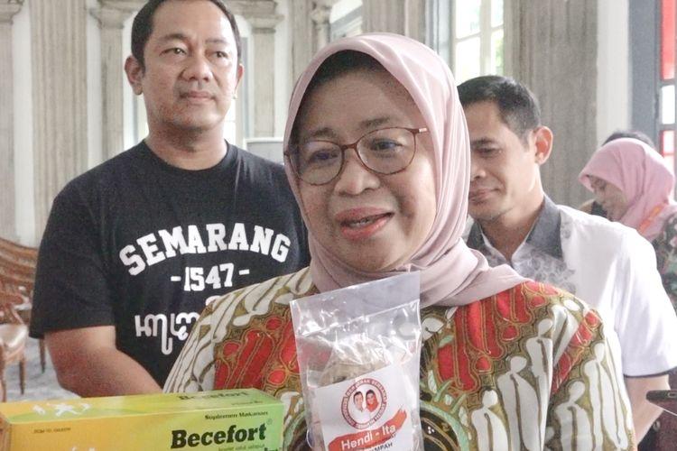 Direktur Utama PT Phapros Tbk Barokah Sri Utami, usai bertemu Wali Kota Semarang Hendrar Prihadi, Jumat (27/3/2020.)