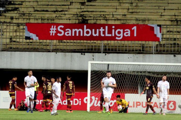 Semifinal leg pertama Piala Menpora 2021, PSM Makassar melawan Persija Jakarta yang berakhir dengan skor 0-0 di Stadion Maguwoharjo Sleman, Kamis (15/04/2021) malam.