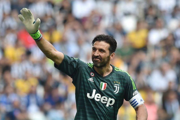 Gianluigi Buffon saat laga perpisahan bersama Juventus di akhir musim 2017-2018.