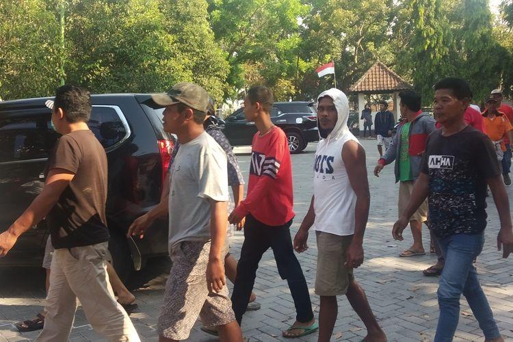 Suasana kedatangan Keluarga Zaenal di BKBH Fakultas Hukum Unram