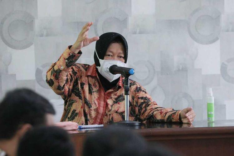Mensos, Tri Rismaharini, ketika berada di Universitas Cenderawasih, Kota Jayapura, Papua, Minggu (3/10/2021)