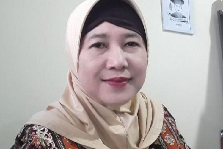 Guru Besar Farmasi UGM, Prof. Dr. Zullies Ikawati, Apt.